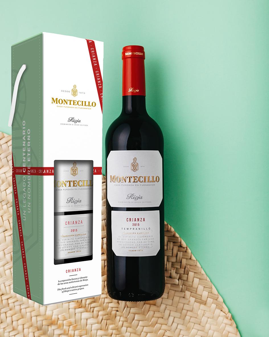 Montecillo Crianza Rioja joulun lahjapakkauksessa